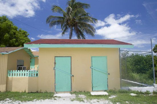 IFF Islands_The Berry Islands Colorful Building_Image_Bahamas.com
